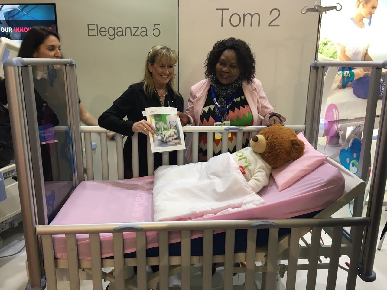 LINET at Africa Health - paediatric bed TOM2